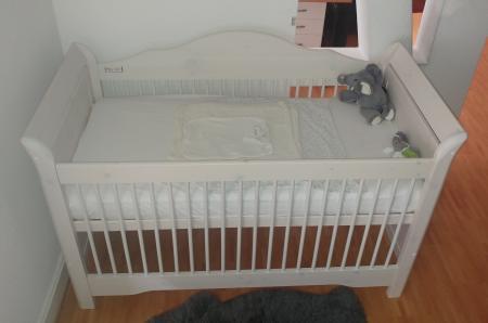 weißes babybett test