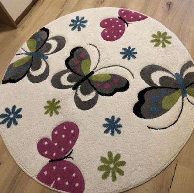 runder Kinderteppich maedchen