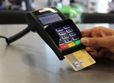 Kinderkreditkarte bezahlen Ausland