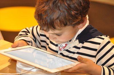 Kinder Tablet Test