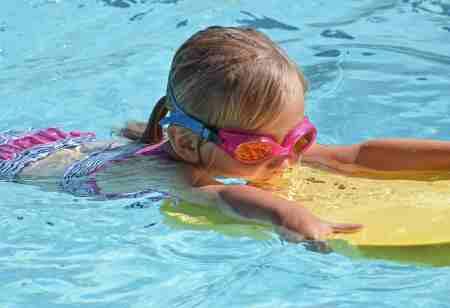 schwimmbrett kinder test